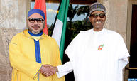جلالة الملك يجري بأبوجا مباحثات مع الرئيس النيجيري