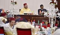 الرئيس النيجيري يقيم مأدبة عشاء رسمية على شرف صاحب الجلالة
