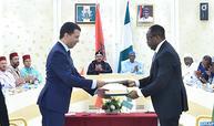 جلالة الملك والرئيس النيجيري يطلقان مشروع إنجاز خط أنابيب للغاز يربط نيجيريا والمغرب