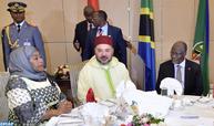 رئيس جمهورية تنزانيا يقيم مأدبة عشاء رسمية على شرف جلالة الملك