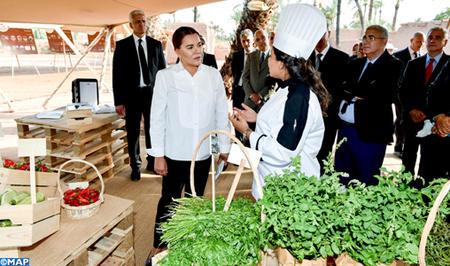 صاحبة السمو الملكي الأميرة للا حسناء تزور مشروعين نموذجيين ببرنامج حماية وتنمية واحة نخيل مراكش