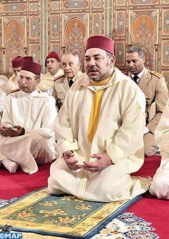 أمير المؤمنين يؤدي صلاة الجمعة بمسجد حي المطار بمدينة الدار البيضاء