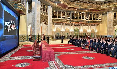 جلالة الملك يترأس بالدار البيضاء حفل إطلاق 26 استثمارا صناعيا في قطاع السيارات بغلاف مالي إجمالي قدره 78ر13 مليار درهم
