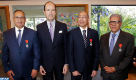 توشيح ثلاث شخصيات مغربية بوسام جوقة الشرف بدرجة فارس للجمهورية الفرنسية