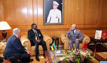 Lieutenant-General, Inspector General of FAR Receives Mozambique's National Defence Vice-Minister