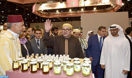 HM the King tours Morocco's pavilion at SIAL Middle Eastern Food Exhibition