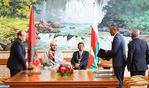 SM el Rey y el presidente malgache presiden la ceremonia de firma de veintidós convenios y acuerdos de cooperación bilateral