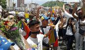 Maduro decreta estado de excepción que restringe garantías en el país