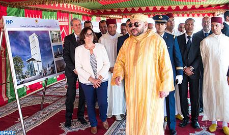 SM el Rey coloca la primera piedra de un complejo administrativo del puerto de Casablanca