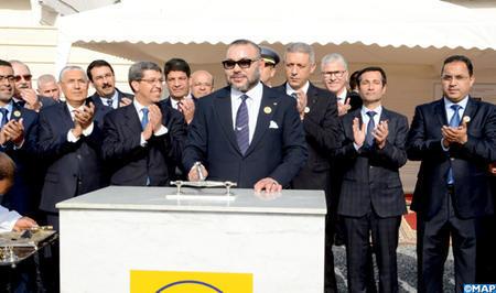 SM el Rey  pone  la primera piedra de un centro de rehabilitación psicosocial en el CHU Ibn Rochd de Casablanca