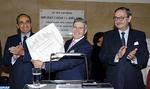 El ex presidente del Consejo constitucional Mohamed Achergui condecorado con la encomienda de número de la Orden del Mérito civil del Reino de España