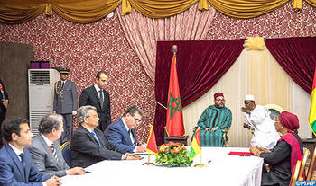SM el Rey y el Presidente Alpha Condé presiden la ceremonia de firma de ocho acuerdos de cooperación bilateral