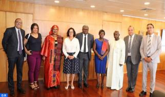 La HACA expone su labor a una delegación de la UA