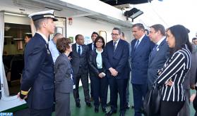 """Akhannouch y su homólogo español visitan el buque """"Intermares"""" de cooperación pesquera"""