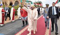 SM le Roi, Amir Al Mouminine, accomplit la prière du vendredi à la Mosquée Al Ansar à Rabat