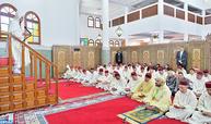 SM le Roi, Amir Al Mouminine, accomplit la prière du vendredi à la mosquée Moulay Idriss 1er à Casablanca