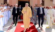 SM le Roi, Amir Al Mouminine, accomplit la prière du vendredi à la mosquée Hassan II de Laâyoune