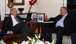 """Le Maroc, un pays """"stable"""" à même de contribuer au renforcement de la sécurité et à une gestion """"efficace"""" de la migration (Commissaire européen)"""