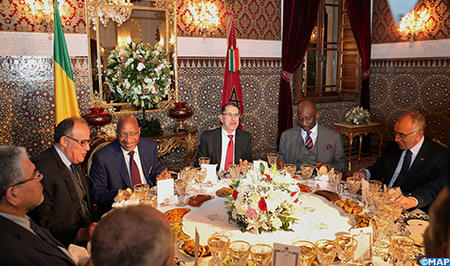 SM le Roi offre un dîner en l'honneur du Premier ministre malien