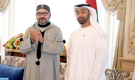 SM le Roi assiste au Conseil de SA Cheikh Mohamed Ben Zayed Al Nahyane, dans le cadre de la visite de travail et de fraternité qu'effectue le Souverain aux Emirats
