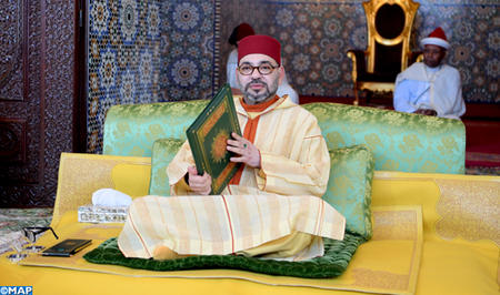 SM le Roi, Amir Al Mouminine, préside la huitième causerie religieuse du mois sacré de Ramadan