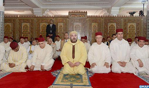 SM le Roi, Amir Al Mouminine, accomplit la prière du vendredi à la Mosquée Bab Assalam à Casablanca