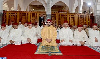 SM le Roi, Amir Al Mouminine, accomplit la prière du Vendredi à la mosquée Al Qods à Salé