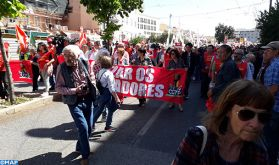 1er mai: Des milliers de personnes défilent à Lisbonne pour l'amélioration de leurs conditions professionnelles et matérielles