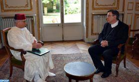 Incendie de la cathédrale Notre-Dame de Paris: l'ambassadeur de SM le Roi en France s'entretient avec l'Archevêque de Paris