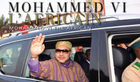 """""""Mohammed VI l'Africain"""" de Maradji, un livre photographique retraçant l'action du """"Souverain africanophile"""""""