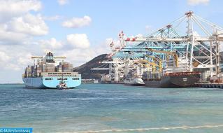 """ميناء طنجة المتوسط، الأول بالحوض المتوسطي في 2020 """"يواصل صعوده المتسارع"""" (صحيفة إلباييس)"""