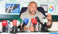 عبد الحق بنشيخة، المدرب الجزائري الذي احتضنته الجديدة فخلق لنفسه مكانة متميزة في قلوب الدكاليين