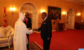 Amrani Presents his Credentials to Malawi President