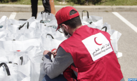 M'diq-Fnideq: The Moroccan Red Crescent Provides Food Aid to Foreign Students