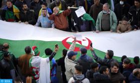 Los argelinos vuelven a salir a la calle para exigir la marcha del régimen