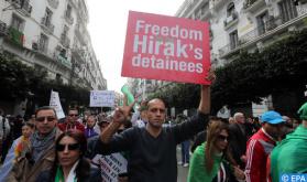 """Los argelinos continúan sus protestas contra la """"corrupción y la injusticia"""" (Prensa española)"""
