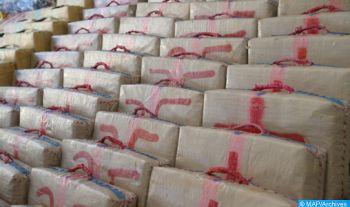 Mise en échec près de Mohammedia d'une tentative de trafic de drogue et saisie de 2 tonnes et 490 kg de chira (DGSN)