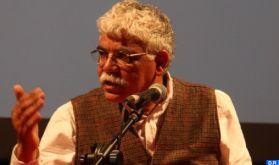 Trois questions à l'écrivain et universitaire Abderrazzak Benchaâbane