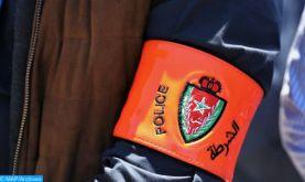 Meknès : Des policiers contraints de brandir leurs armes pour arrêter un individu qui agressait des citoyens