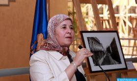 Mme Kenza El Ghali dénonce devant des universitaires chiliens la situation abjecte qui prévaut dans les camps de Tindouf