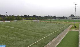 Mise à niveau de la pelouse de deux terrains de football de l'académie de l'AS FAR à Maâmora