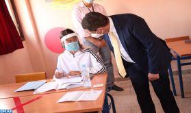 Baccalauréat : M. Amzazi visite des centres d'examen à El Hajeb et Fès