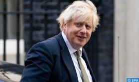 """Après sa victoire au scrutin local, Boris Johnson fait du """"redressement"""" du Royaume Uni son cheval de bataille"""