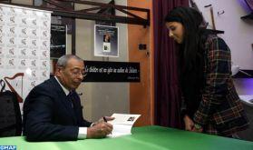 """Casablanca: l'anthropologue Chakib Guessous signe """"Enfants en situation de rue"""""""