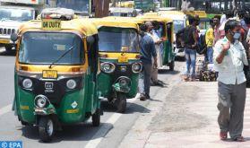 A Delhi, les tuk-tuks convertis en ambulances de fortune