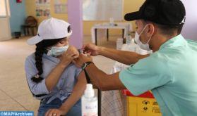 Plus d'un million d'élèves (12-17ans) ont reçu la première dose du vaccin contre la Covid-19 (ministères)